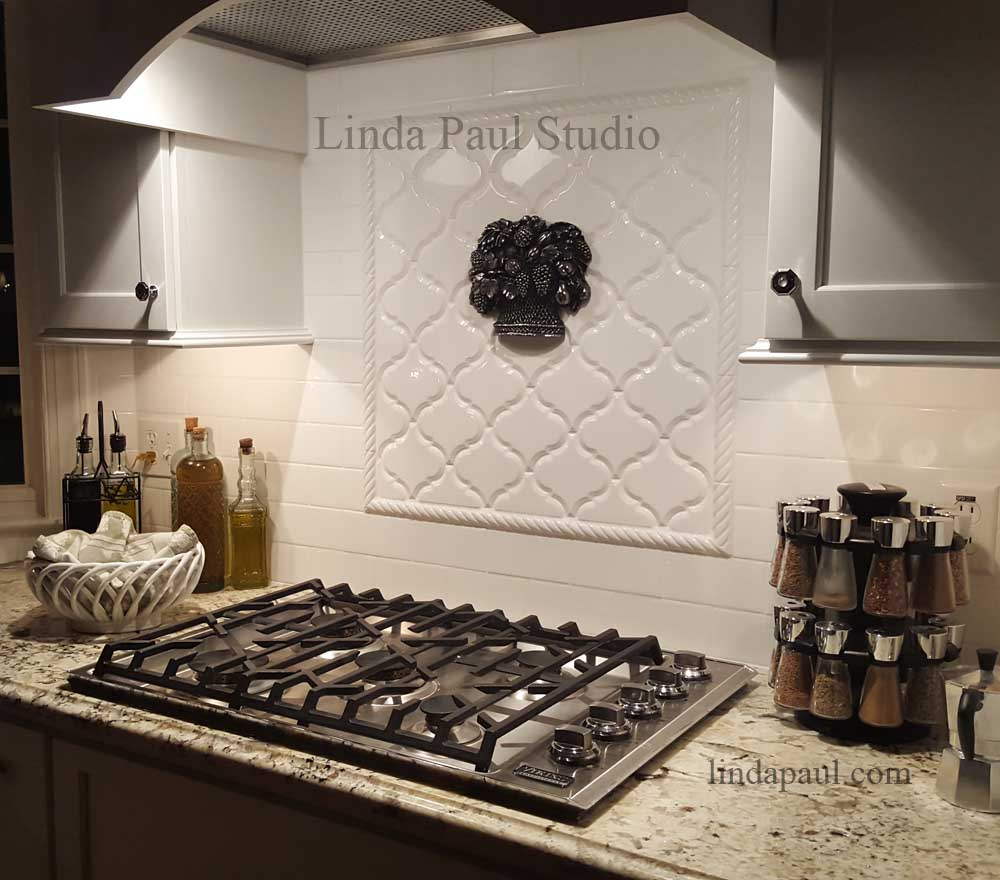 Kitchen backsplash ideas pictures and installations fruit basket kitchen back splash accent dailygadgetfo Image collections