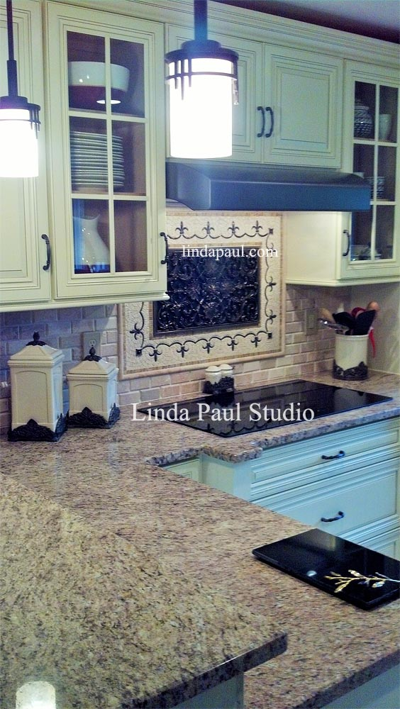 Picture Of Kitchen With Medallion