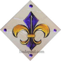 fleur de lis in LSU colors purple and gold