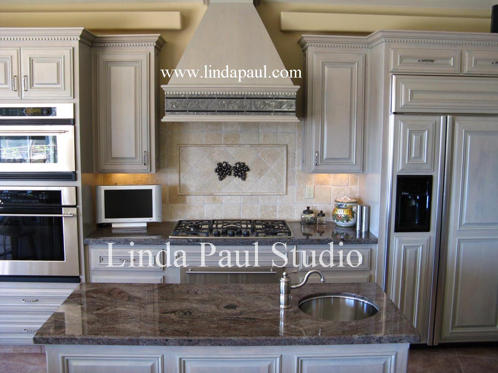 Simple And Elegant Back Splash Idea