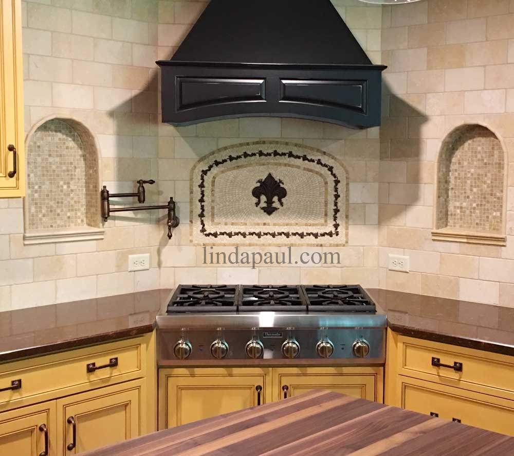 15 Best Kitchen Backsplash Tile Ideas: Fleur De Lis Mosaic And Metal Arched Medallion Backsplash