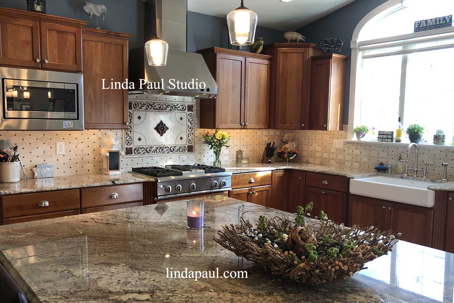 Custom Kitchen With Backsplash Medallion