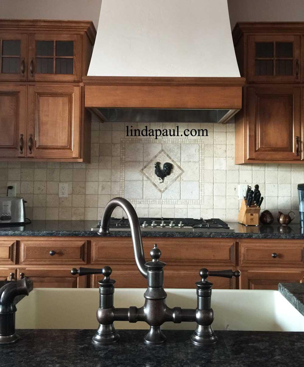 Country Kitchen Tile Backsplash Ideas: Rooster Tile Medallion French Country Kitchen Backsplash Ideas